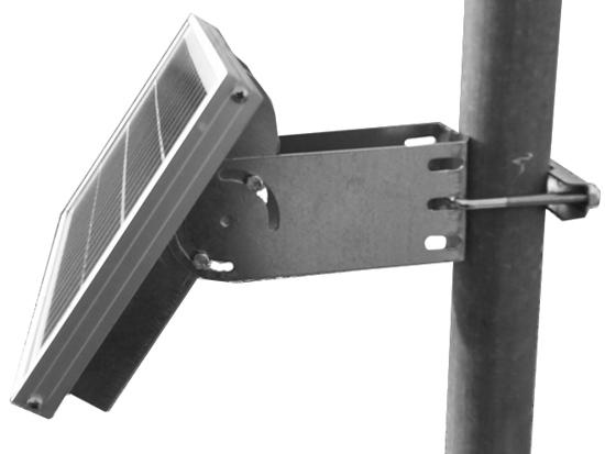 Montaggio-supporto-Testa-Palo-moduli-solari-5W-10W.jpg