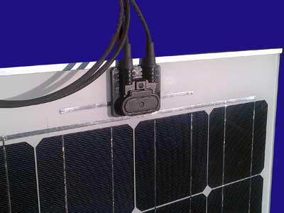 Pannello_solare_barca_piatto_100W_F.jpg