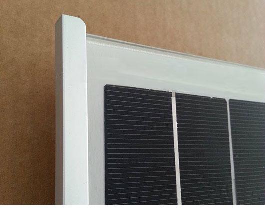 Particolare-moduli-fotovoltaici-frame-less.jpg