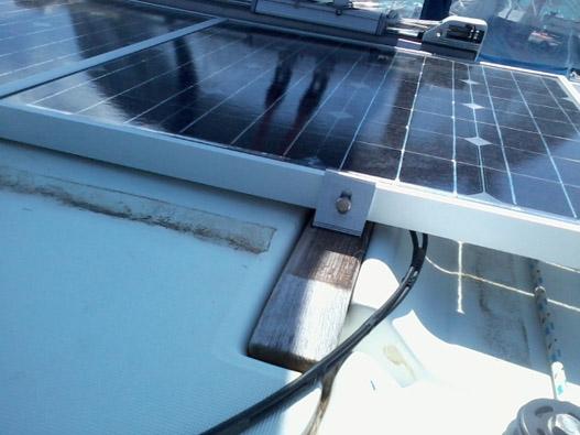 Pannello Solare Barca A Vela : Staffa a l in alluminio per fissaggio moduli solari
