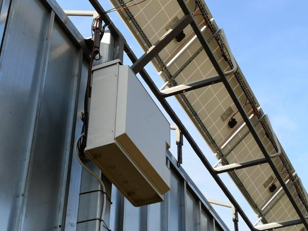insegna-fotovoltaica-6x3-fari-led-4